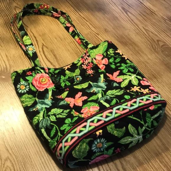 Vera Bradley Handbags - SALE! Vera Bradley Exotic Jungle tropical 🌴 tote